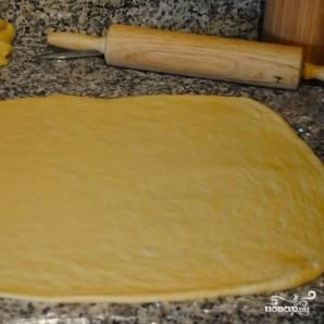 Дрожжевой пирог с яблоками и брусникой - фото шаг 1