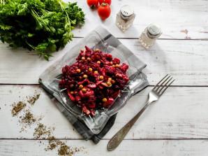 Салат из свеклы и шампиньонов