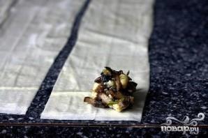 Пирожки с грибами и голубым сыром - фото шаг 3