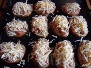 Горячие бутерброды с сосисками и сыром - рецепт пошаговый с фото