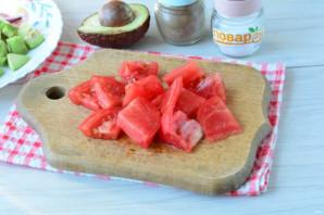 Салат с авокадо и базиликом - фото шаг 4