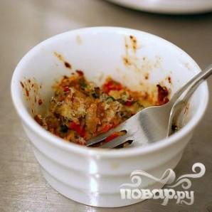 Грибы, фаршированные вялеными помидорами - фото шаг 1