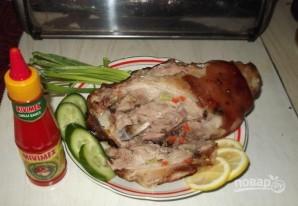 Свиная рулька, запеченная в духовке в фольге - фото шаг 5