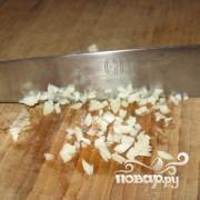 Гренки с чесноком - фото шаг 2