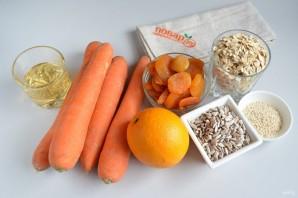 Морковные квадратики с курагой, семечками и овсяными хлопьями - фото шаг 1