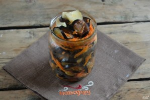 Маринованные баклажаны с морковкой и луком - фото шаг 5