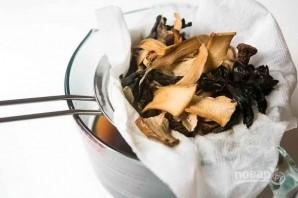 Суп с сушеными грибами - фото шаг 2