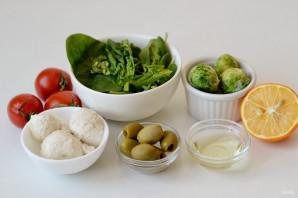 Салат с брюссельской капустой и помидорами - фото шаг 1