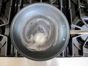 Скрэмбл с лососем - фото шаг 2