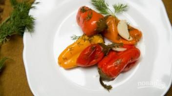 Маринованный болгарский перец с чесноком - фото шаг 5