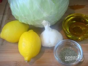 Салат из свежей капусты с чесноком - фото шаг 1