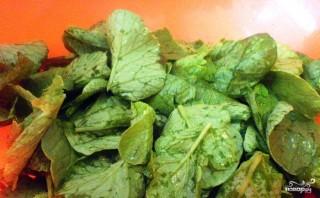 Салат из ботвы редиса - фото шаг 1