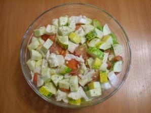 Тушеные овощи кусочками - фото шаг 3