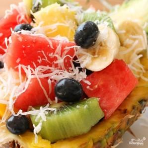Фруктовый салат в ананасе - фото шаг 12