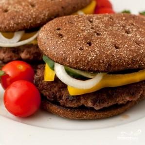 Домашний гамбургер с ржаным хлебом - фото шаг 11