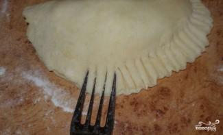 Пирожки с индейкой в духовке - фото шаг 8