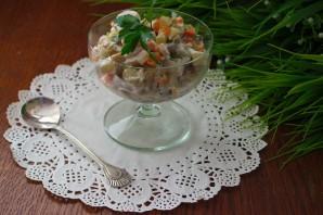 Овощной салат с маринованными грибами и индейкой - фото шаг 6