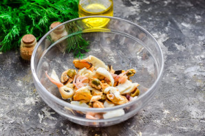 Тайский салат с морепродуктами - фото шаг 4