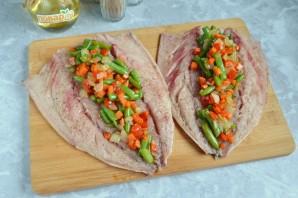 Скумбрия, фаршированная овощами - фото шаг 4