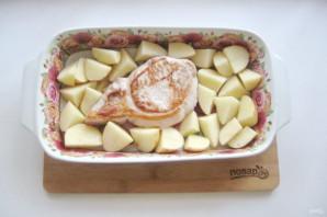 Свиная корейка с картофелем в духовке - фото шаг 5