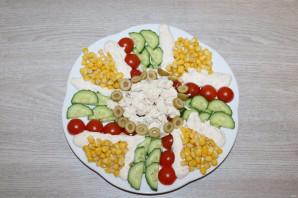 Салат с куриной грудкой и помидорами - фото шаг 9