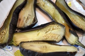 Лучший рецепт баклажанов, фаршированных творогом и сыром с майонезом - фото шаг 2