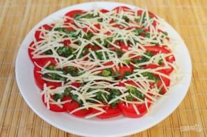 Острая закуска из помидоров с зеленью и сыром - фото шаг 6
