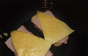 Бутерброды в мультиварке - фото шаг 1