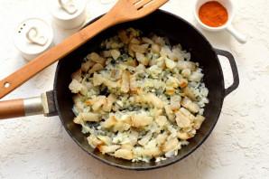 Картофельная бабка с салом в духовке - фото шаг 4