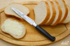 Гренки с чесноком и сыром в духовке - фото шаг 3