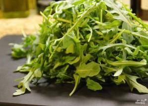 Салат из клубники и рукколы - фото шаг 1