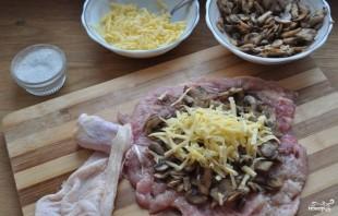 Куриные окорочка, фаршированные грибами - фото шаг 6