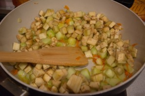 Рагу из баклажанов вкусное - фото шаг 7