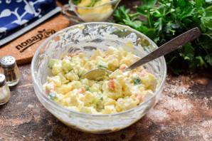 Салат из рыбы копченой - фото шаг 8