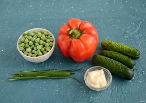 Салат с перцем и зеленым горошком - фото шаг 1
