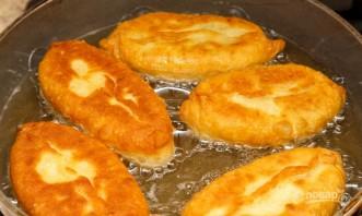 Пирожки с луком и яйцами - фото шаг 13