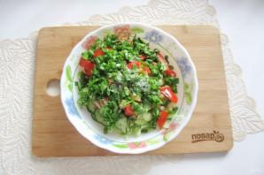 Овощной салат с капустой, помидорами, огурцами и зеленью - фото шаг 8