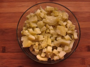 Простой салатик с печенью трески - фото шаг 4