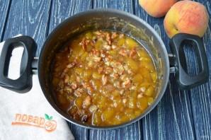 Варенье из персиков с грецкими орехами - фото шаг 7