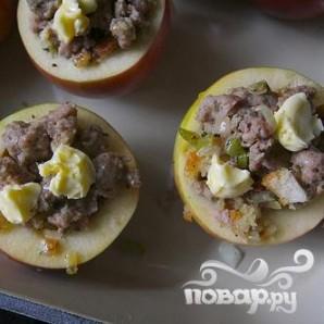 Запеченные яблоки с мясной начинкой - фото шаг 6