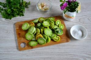 Зеленые помидоры в собственном соку - фото шаг 2