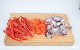 Салат с помидорами, ветчиной и сыром - фото шаг 1
