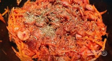Солянка с сосиской из свежей капусты - фото шаг 3