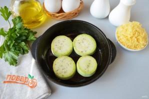Яичница с кабачками и помидорами - фото шаг 2