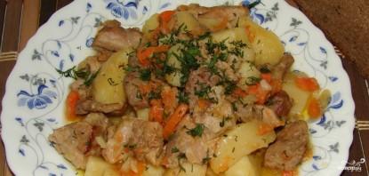 Свинина с картошкой в мультиварке - фото шаг 7