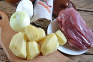 Свинина с картошкой в духовке - фото шаг 1