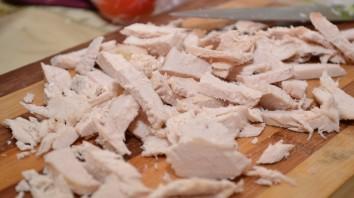 Салат с курицей и грибами - фото шаг 1