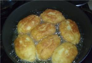 Тесто для пирожков на сковороде - фото шаг 3
