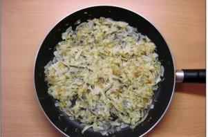 Пирожки с капустой на сковороде - фото шаг 4
