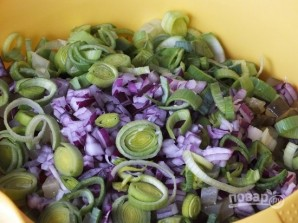 Салат со стеблем сельдерея - фото шаг 6
